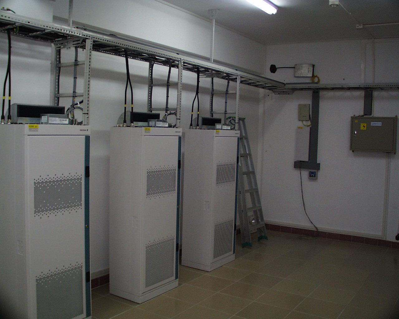 GSM/CDMA Shelter/Equipment